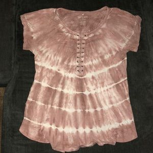 AE pink lace-up t-shirt (L)